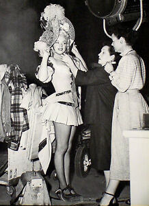 MARILYN MONROE PIN-UP POSTER IN SHORT SKIRT VICTORIAN HAT RARE MOVIE SET PHOTO!