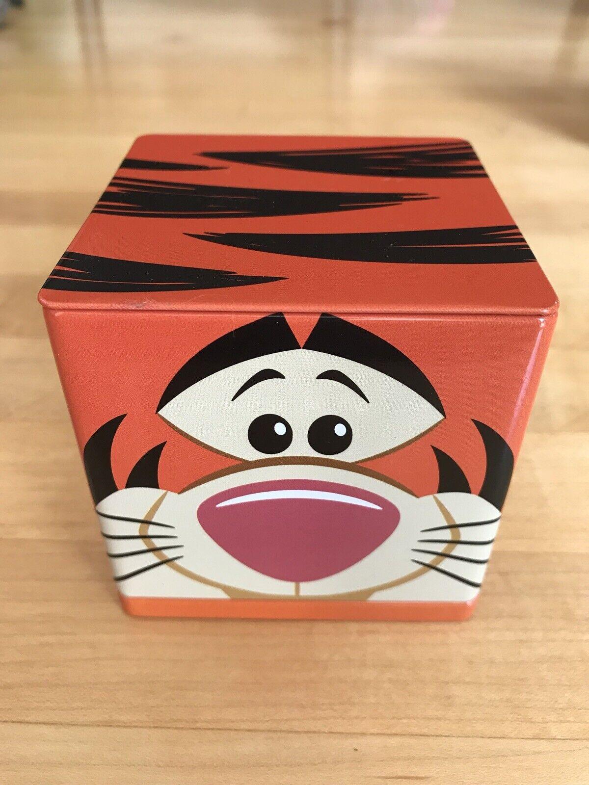 Hallmark Cubeez Disney WINNIE THE POOH Tin Container