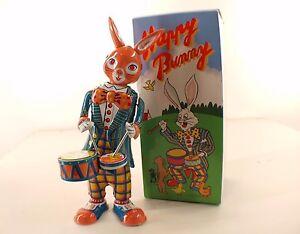 MS 298 Chine Happy Bunny Rabbit Lapin tambour tôle mécanisme à clé neuf en boite - France - État : Neuf: Objet neuf et intact, n'ayant jamais servi, non ouvert. Consulter l'annonce du vendeur pour avoir plus de détails. ... Marque: MS Matire: Tle Pays de fabrication: Chine EAN: Non applicable - France