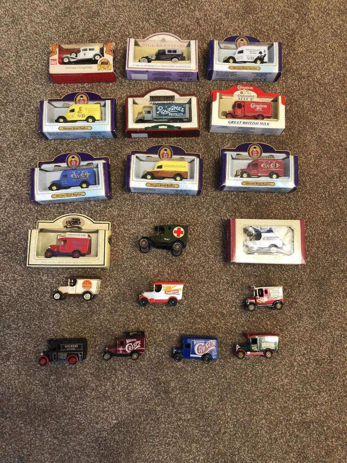 19 Model Die Cast Cars