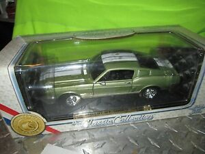 1968 68 FORD GT 500 MUSTANG  display peice ROAD SIGNATURE  muscle  1/18