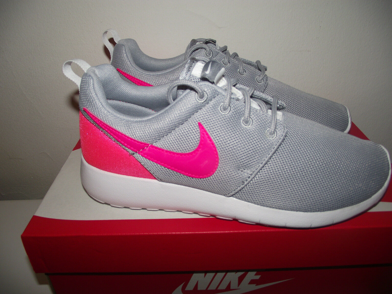 pretty nice 211fc b6da3 NIKE ROSHE ONE WOMENS GIRLS GREY MESH TRAINERS SIZE SIZE SIZE 4.5 NWB 1a5dbc