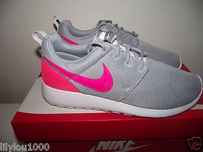 new product 045a6 016da Girls Scarpe Nwb Donna Grey Roshe Nike Mesh Taglia 5 Ginnastica Da One 4  IUZ10x ...