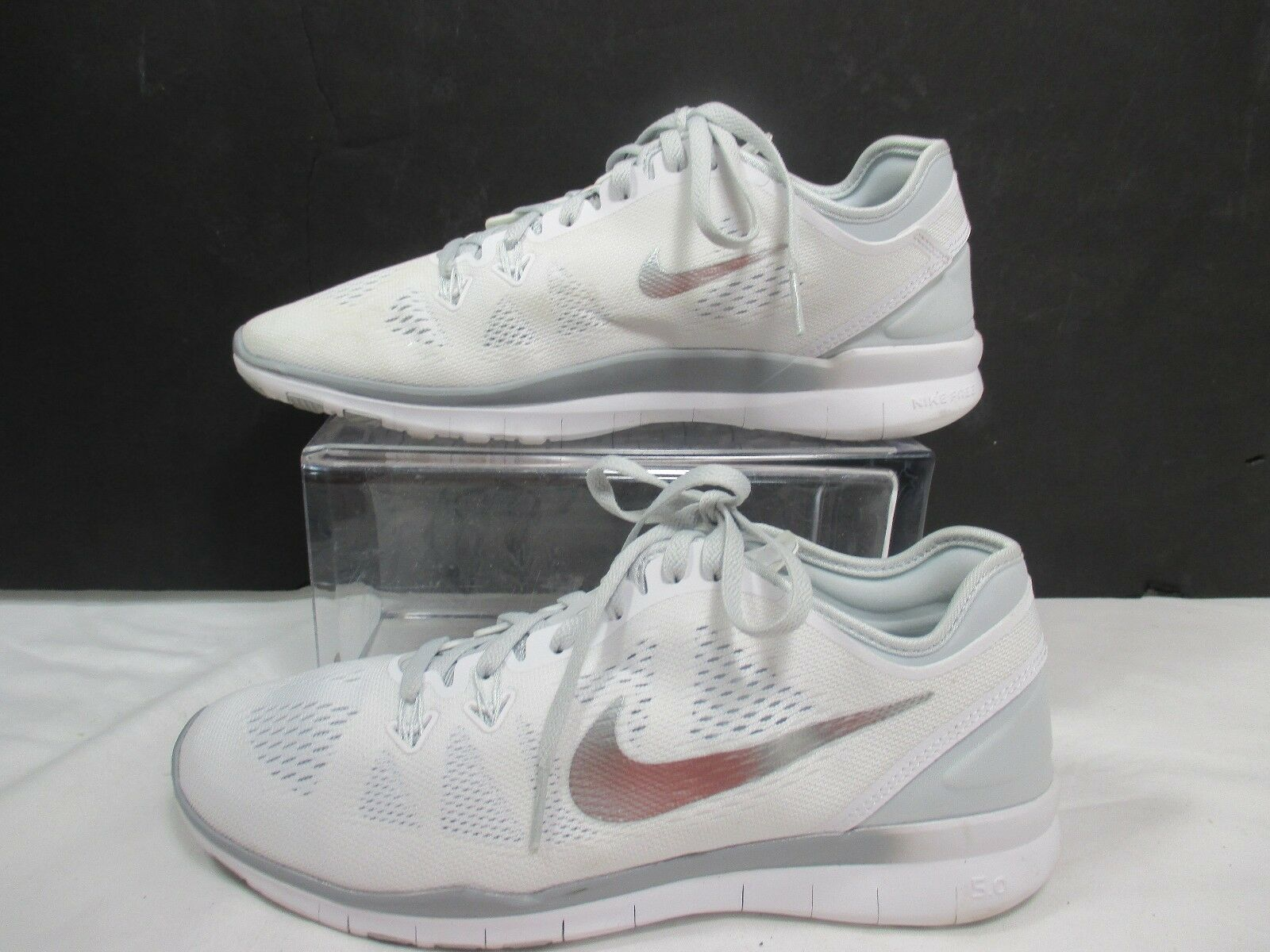 Nike White Free Sz 5.0 Tr Fit 5 Training Shoes Sz Free 8.5 EUC b1c71b
