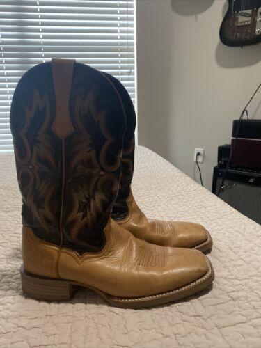 ariat boots 10.5 square toe