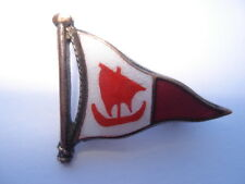 C1950S VINTAGE RICHMOND YACHT CLUB ENAMEL BURGEE PIN BADGE