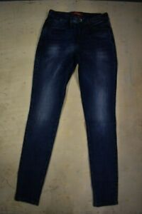 Guess-Dark-Wash-Blue-faded-Mid-Rise-Stretch-Skinny-Jeans-GS-07