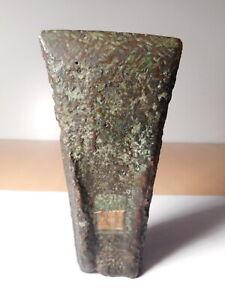 Hache-ancienne-age-bronze-metaux-3000-av-J-C-1200-av-J-C-Apres-Prehistoire