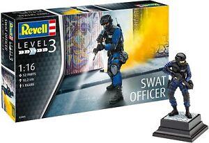 Revell 1/16 SWAT Officer Model Kit Plastique