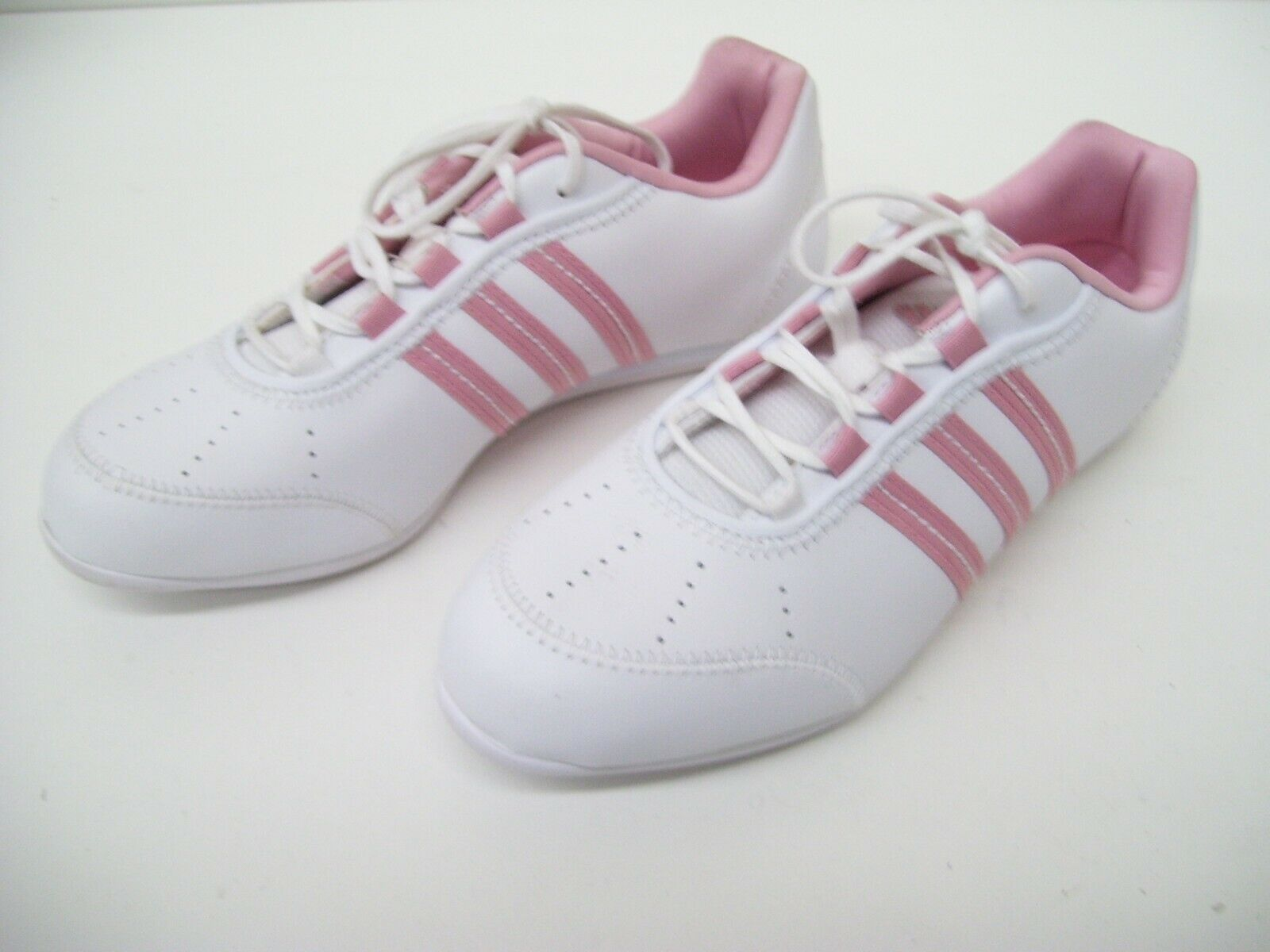 ADIDAS femmes TRAINERS RUNNING TRAINING EXERCISE chaussures RUNNERS Taille 6 YATRA 50
