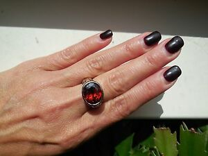 NEW-designer-inspired-Oval-RED-Garnet-CZ-Ring-cable-hammered-2-tone-Size-7
