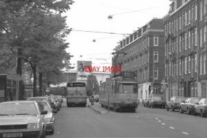 PHOTO  1990 NETHERLANDS TRAM AMSTERDAM VAN HALLSTRAAT TRAM NOS 686 677 BUS ON RO - Tadley, United Kingdom - PHOTO  1990 NETHERLANDS TRAM AMSTERDAM VAN HALLSTRAAT TRAM NOS 686 677 BUS ON RO - Tadley, United Kingdom