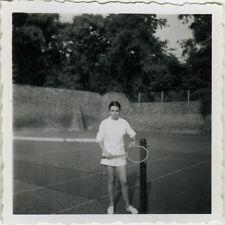 PHOTO ANCIENNE - VINTAGE SNAPSHOT - SPORT TENNIS MODE TERRAIN - FASHION 1954