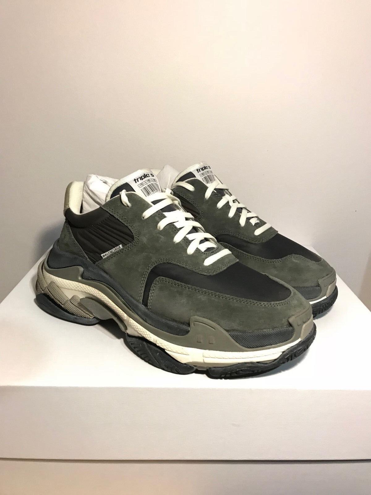 Authentic Balenciaga Triple S trainer sneakers OG US 9 EU 42 Men New GREY