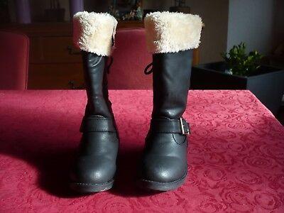 Super schöne Stiefel Größe: 25 in schwarz mit Plüschbesatz und Reißverschluss