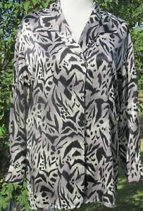 Escada black/gray pattern 100% silk button down blouse. Long sleeves. SZ 8/38.