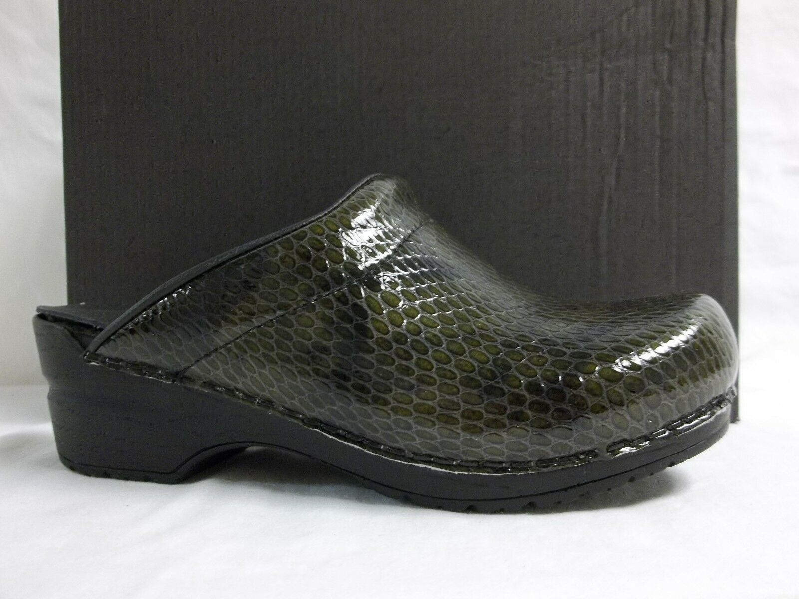 Sanita Size EU 36 US 5.5 M Sonia Olive Patent Leather Clogs New Womens shoes