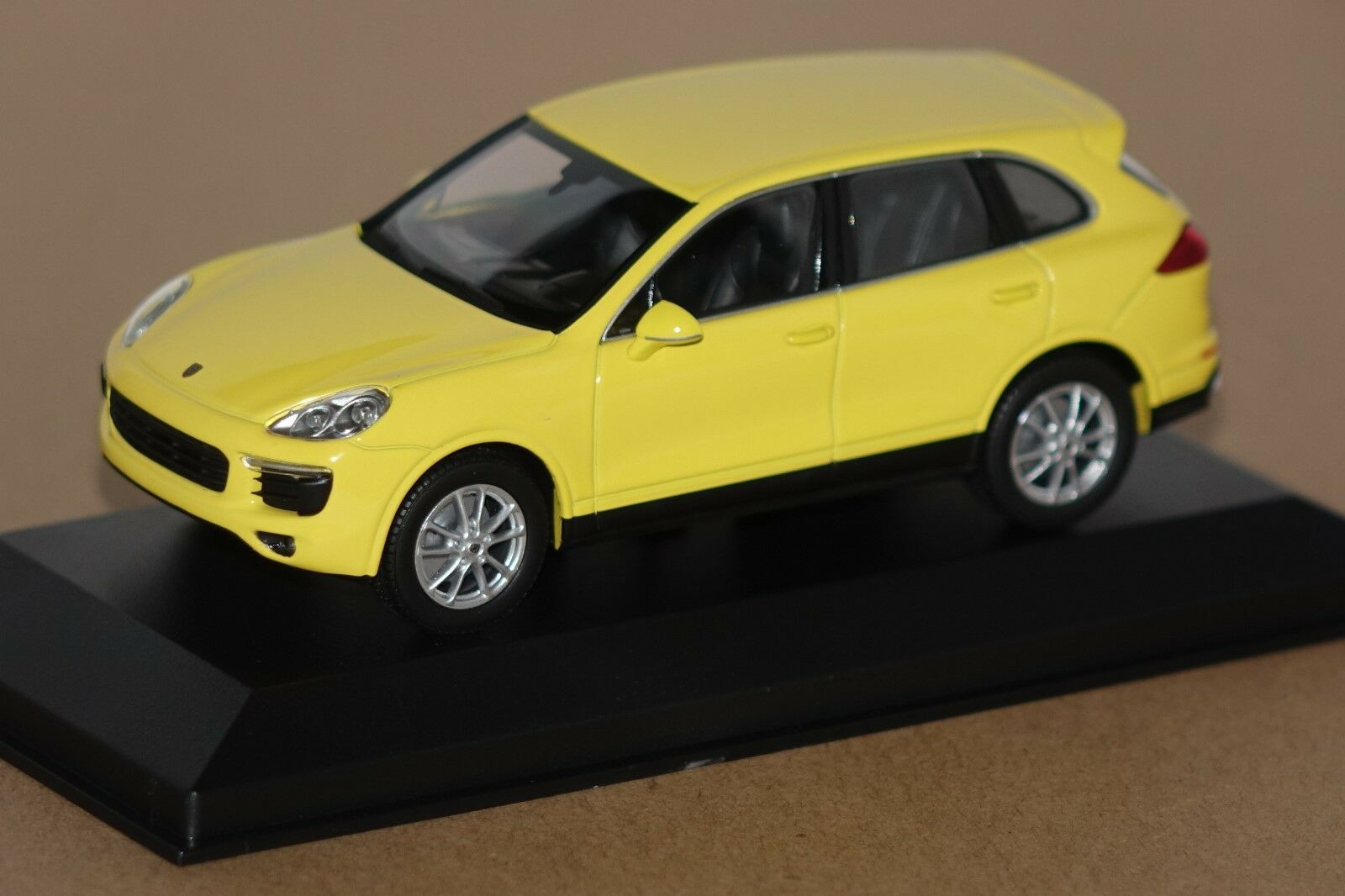 Porsche Cayenne 2014 jaune 1 43 maxichamps NOUVEAU & OVP 940063201