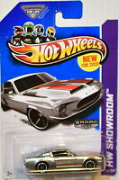HOT WHEELS HW PURSUIT CUSTOM POLICE CAR NEW FOR 2013 K CASE U.S.CARD IN HAND Toys