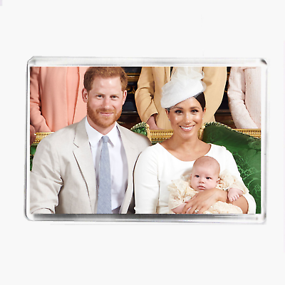 PRINCE HARRY - COLLECTABLE KEYRING MEGHAN MARKLE /& BABY ARCHIE CHRISTENING