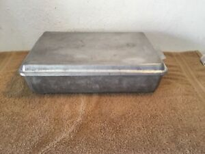 VINTAGE-MIRRO-54220-SNAP-ON-LID-CAKE-PAN-13-034-X-9-034-X-3-1-2-034-MADE-IN-U-S-A