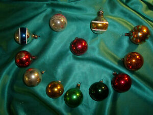 12-kleine-alte-Christbaumkugeln-Glas-bunt-rot-gruen-gold-Weihnachtskugeln-CBS
