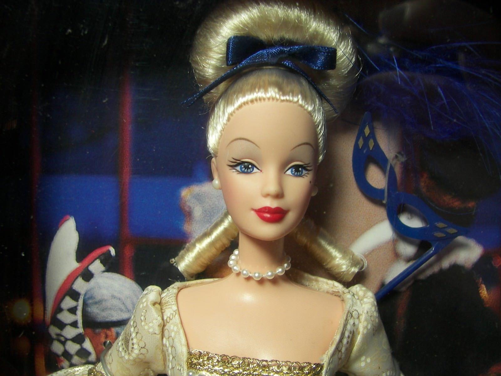@ - BARBIE  Secret of the  three Teardrops  Grolier Exclusive BAMBOLA  Designer    OVP  la migliore selezione di
