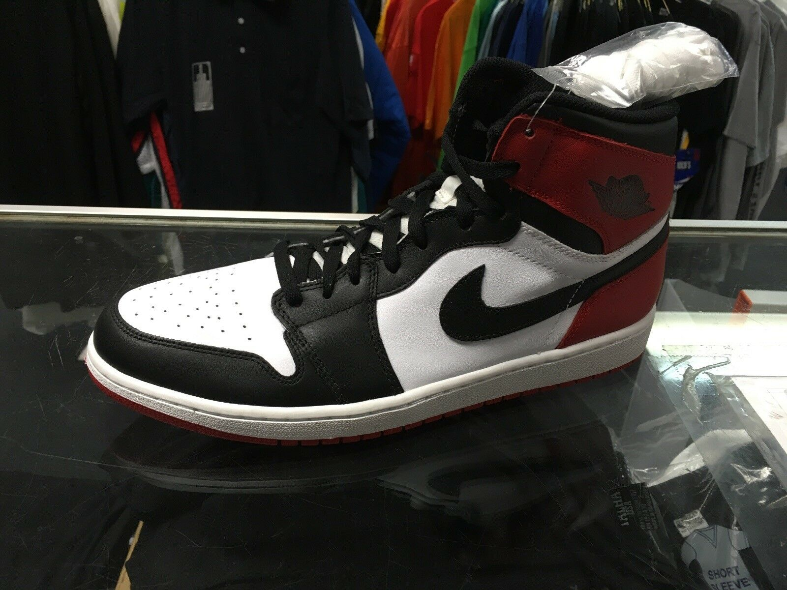 Air jordan retro 1 black toe