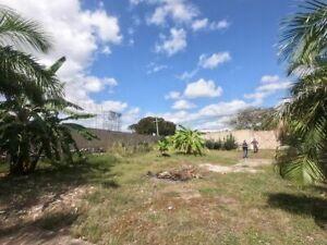 Terreno en Esquina en Renta en Avenida Xcumpich