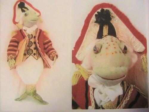 """ALICE IN WONDERLAND~SUZETTE RUGOLO cloth doll pattern FISH FOOTMAN~14/"""" 35cm"""