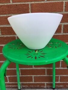 Made-in-Germany-Mid-Century-White-Clay-Planter-Flower-Pot-Vase-Excellent-Unique