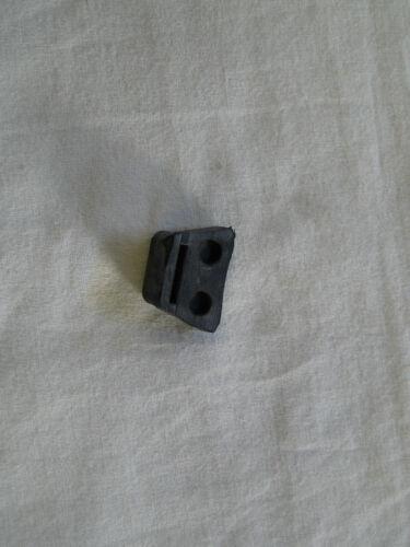 1x Gummi Auflagekörper für Verkleidung rechts Seitendeckel  für MZ ETZ