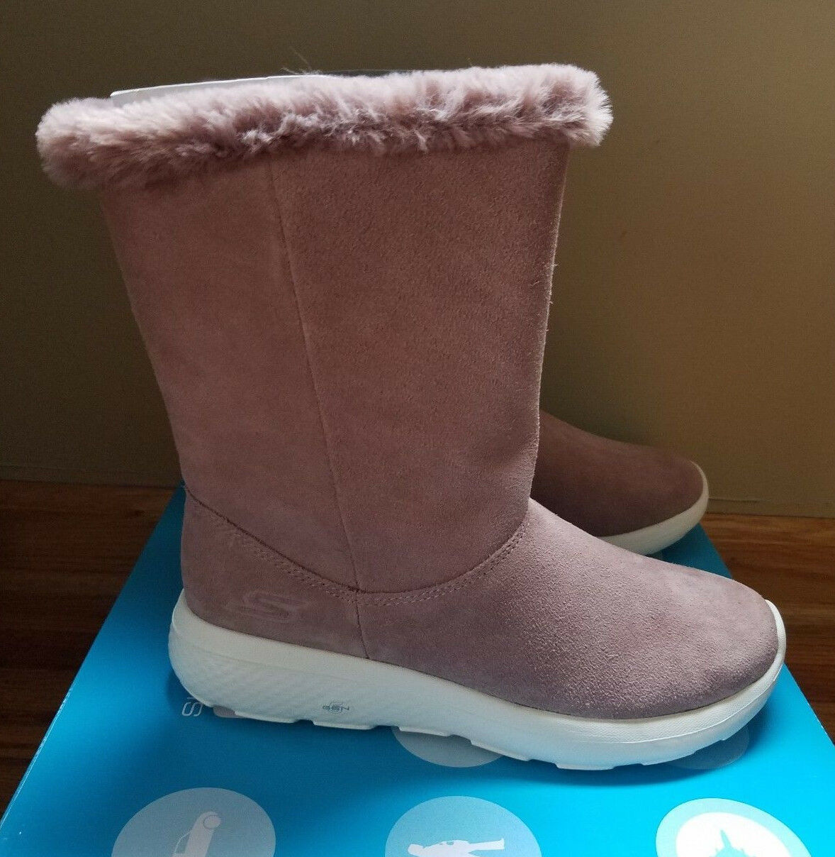 Sketchers On the the the Go City 2 Stiefel in Mauve Größe 6 -New in Box 998881