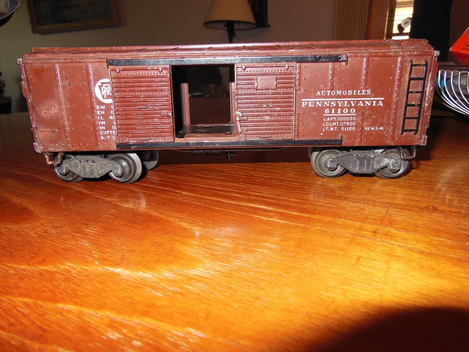 Lionel 2458 marrone Automobile Car with Flying scarpe Couplers From Early 1946