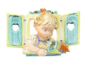 Max-Roesler-Keramik-Porzellan-Jugendstil-Art-Deco-Kind-am-Fenster-Schmetterling