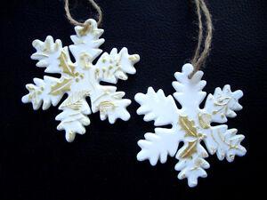 GISELA-GRAHAM-Weihnachten-Haengedeko-White-amp-gold-Bisque-Ceramic-Schneeflocke-8cm