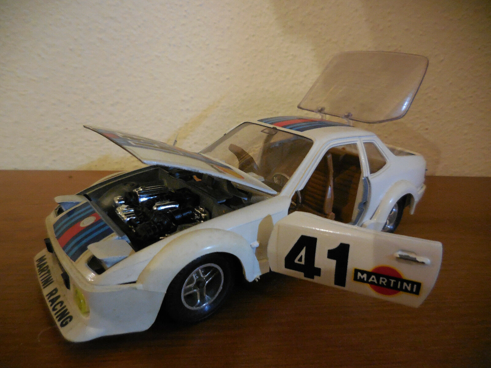 Porsche 924 racing team hotwheels 1 25
