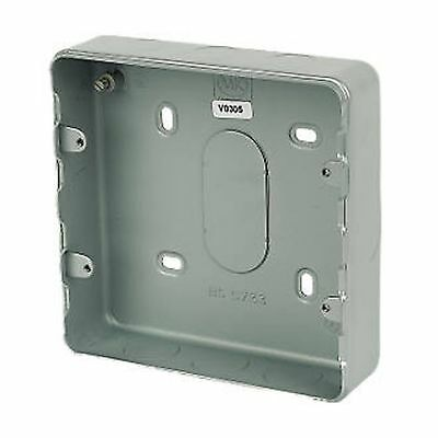 Ijverig Mk Metalclad Plus K8893 Alm 6-8 Gang Surface Grid Switches Metal Back Box Kortingen Prijs