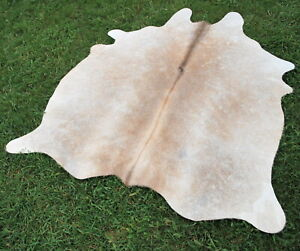 Cowhide-Rug-natural-NEW-Cowhides-Cow-Hide-Skin-LARGE-light-cream-6-X6-FT