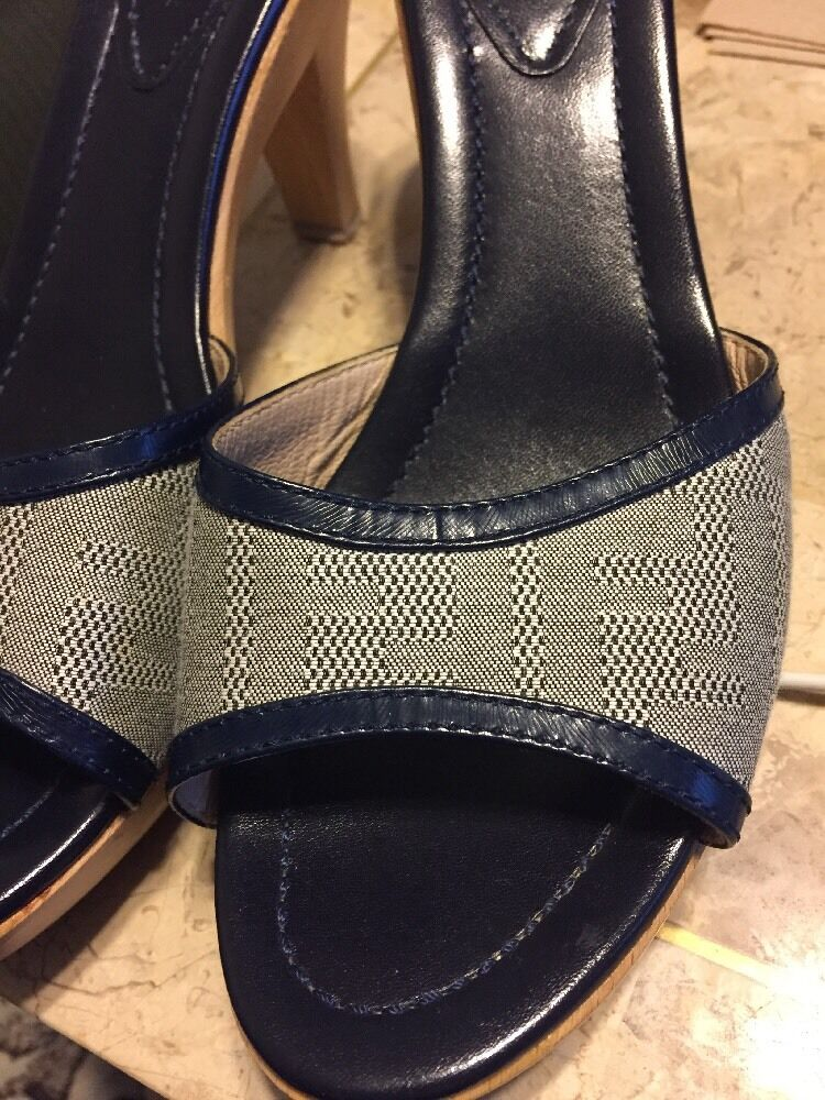 AUTHENTIC FENDI HTF CANVAS LEATHER WOODEN SLIDE HEELS PUMPS RARE HTF FENDI SIZE 39.5 ITALY d2cf75