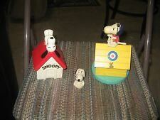 VINTAGE PEANUTS ITEMS SNOOPY BANK, SNOOPY PENCIL TOPPER, SOPWITH CAMEL MUSIC BOX