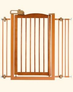 RICHELL-ONE-TOUCH-GENTLY-USED-SIZE-LARGE-BROWN-WOODEN-PET-GATE-Model-94118