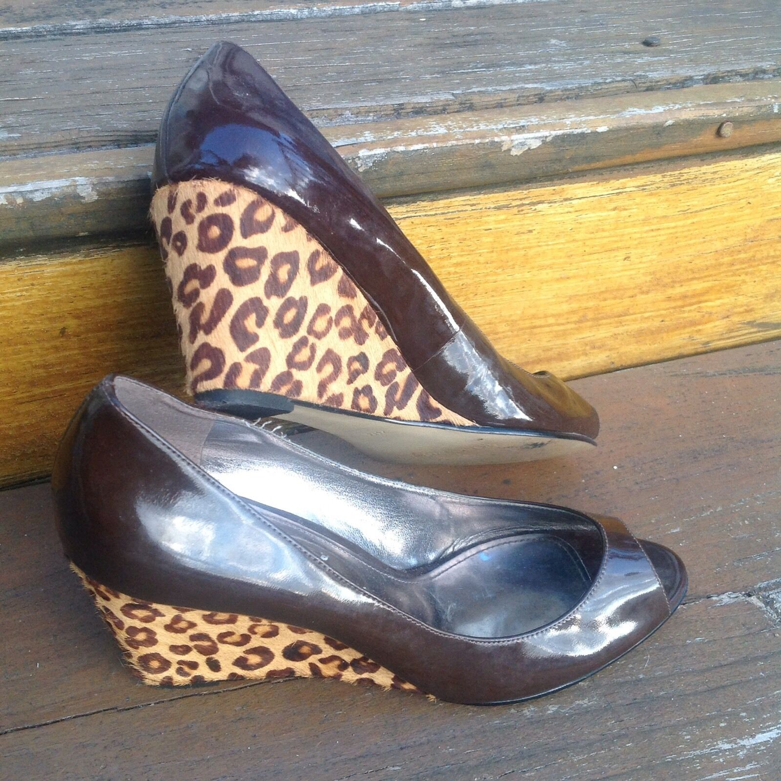 Vintage Marc Fisher Fisher Fisher Leopard braun Patent Leather Peep Toe Wedge Heels 7.5 schuhe 830494