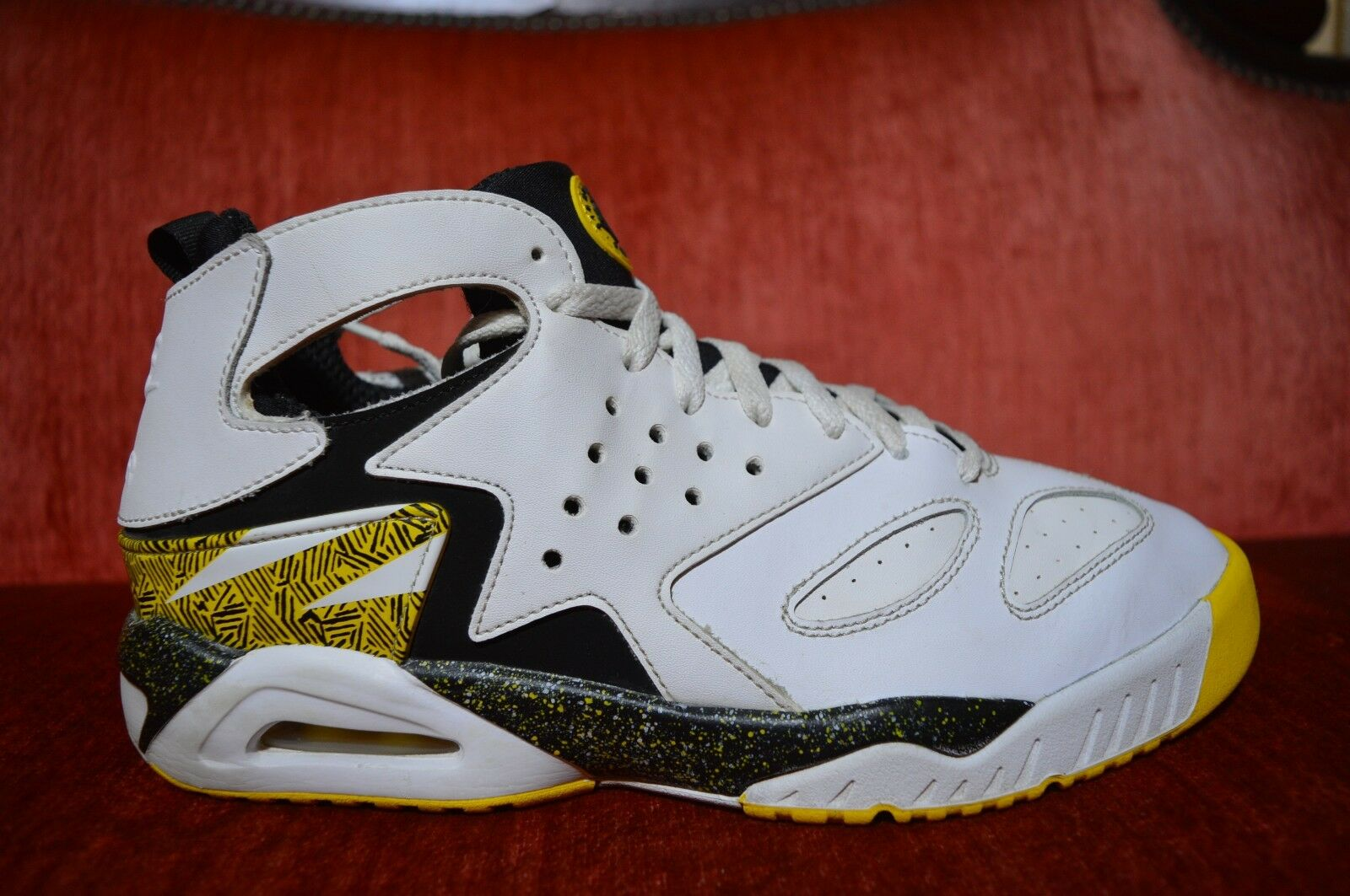 Nike Air Tech Challenge Huarache Run 630957-100 Tour Yellow Shoes Comfortable Wild casual shoes