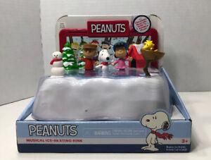 Peanuts Musical Ice-Skating Rink Holidays Christmas Snoopy Charlie Brown