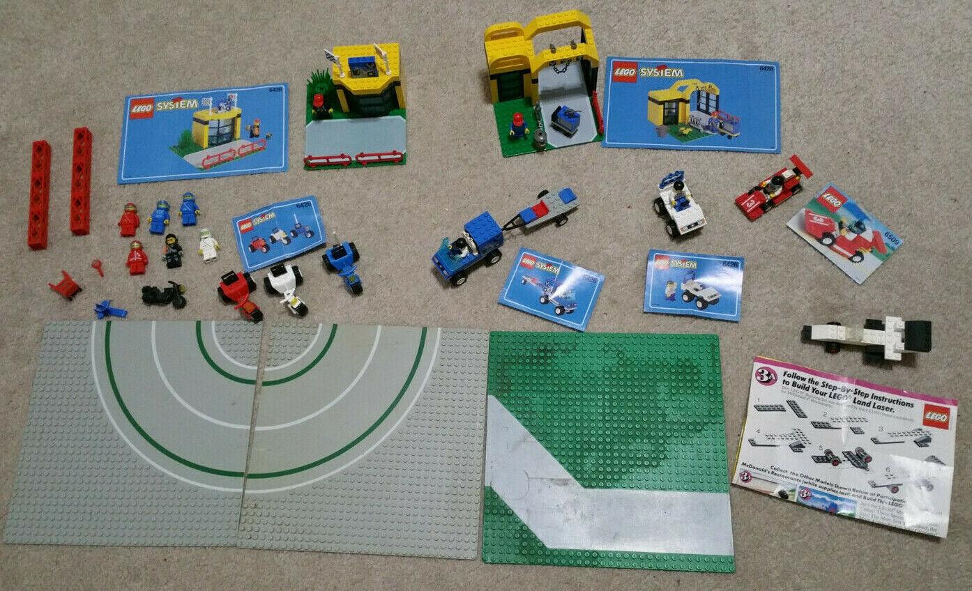 Lego Ville lot 6426 Cycle center Pit Stop & minifigs  Outils 6509 Tour Route Plaques  classique intemporel