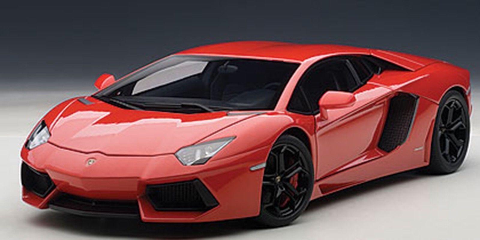 Autoart Lamborghini Aventador LP700-4 rosso-nero ruedas nero Interior 1 18  nuevo