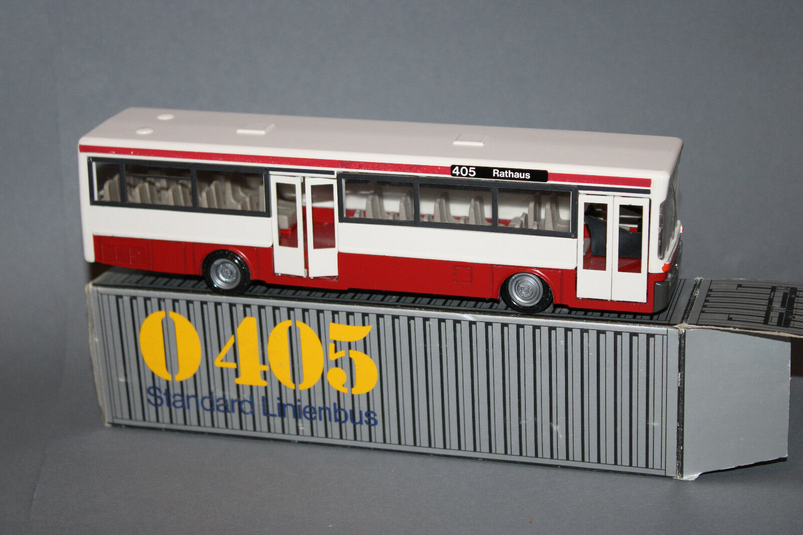 NZG 1 50  No.255 Modell Mercedes Benz O 405 Linienbus rot weiß in MB OVP