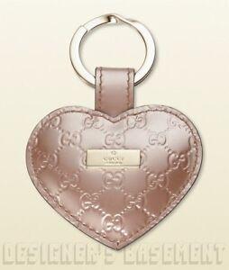 7c01e3de3f1 GUCCI pink Micro GUCCISSIMA Leather LOGO plate HEART charm KEY Ring ...
