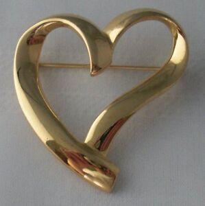 Gold heart brooch